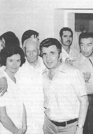 Dr Dragutin Hlubna sa saradnicima i prijateljima